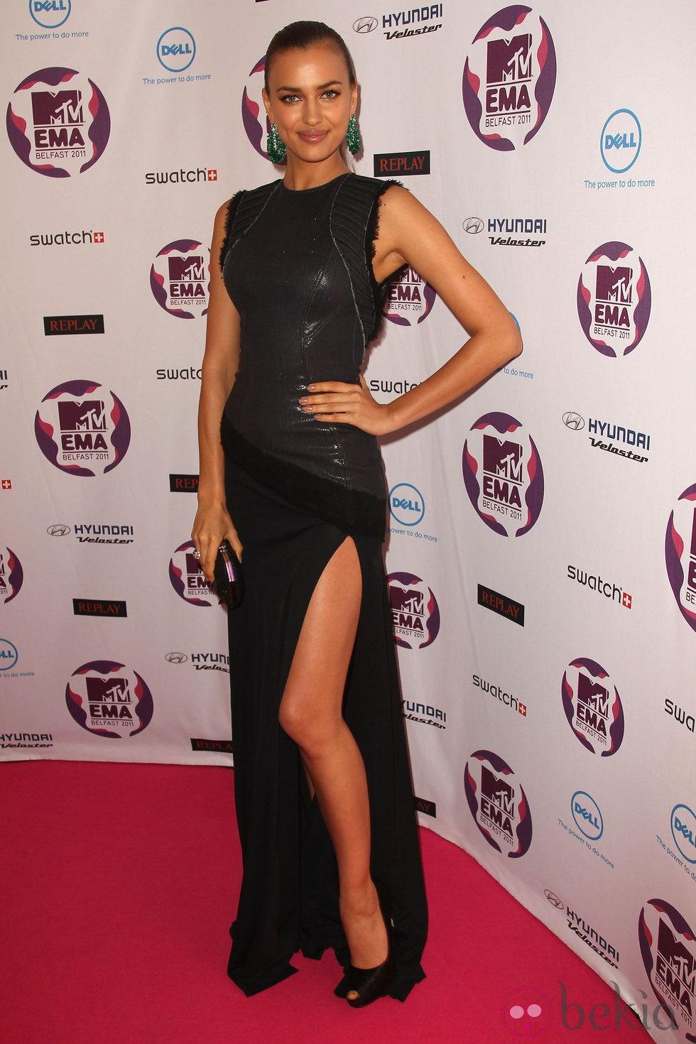 Peinado de Irina Shayk con una coleta en los MTV EMA 2011
