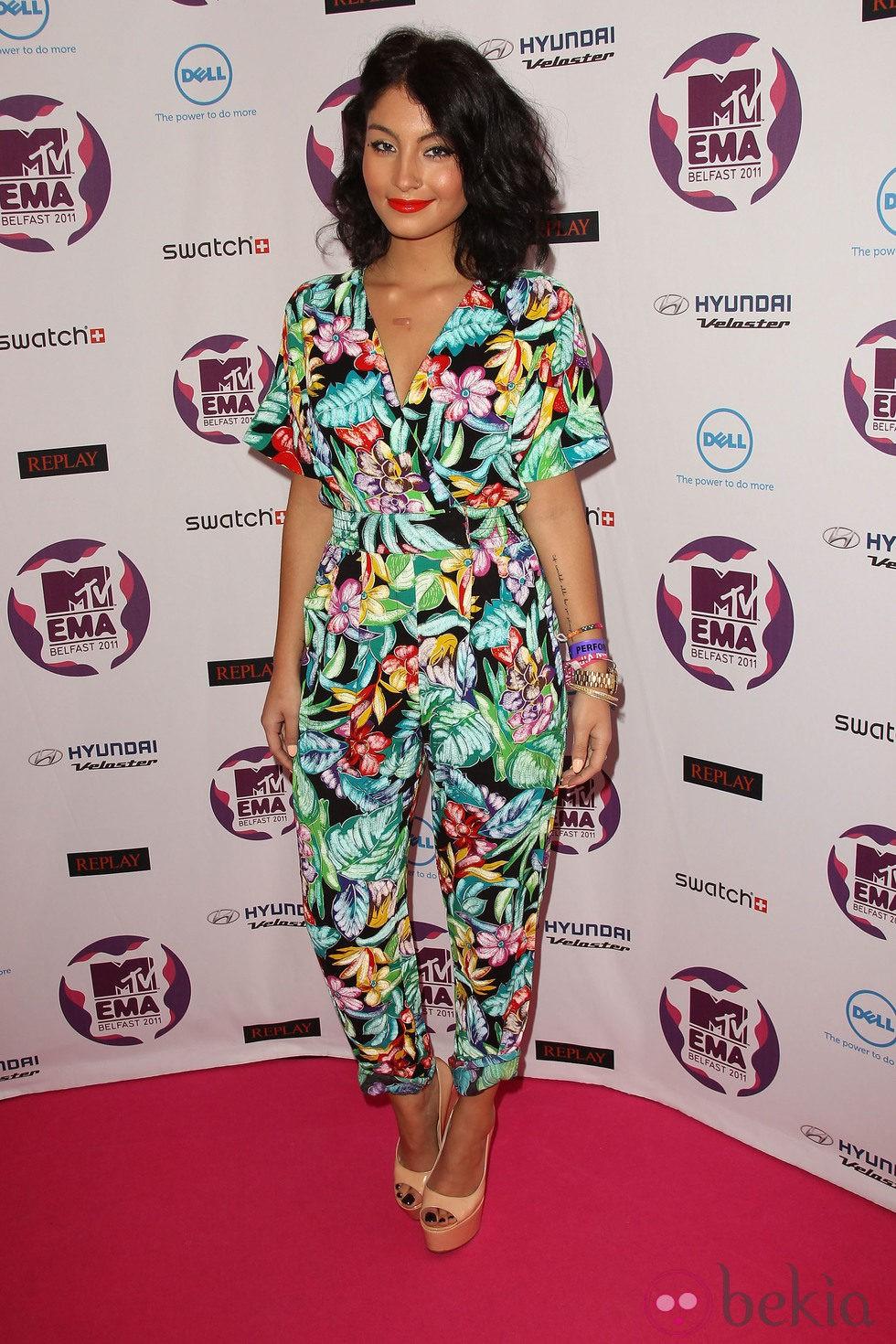 Peinado de Yasmin con melena despeinada en los MTV EMA 2011