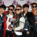 Peinados de la banda Big Bang en los MTV Europe Music Awards 2011 con crestas y tupés