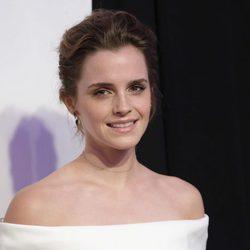 Emma Watson con el pelo recogido