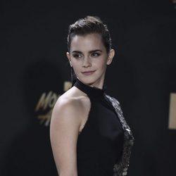 Emma Watson opta por un peinado de tipo wet