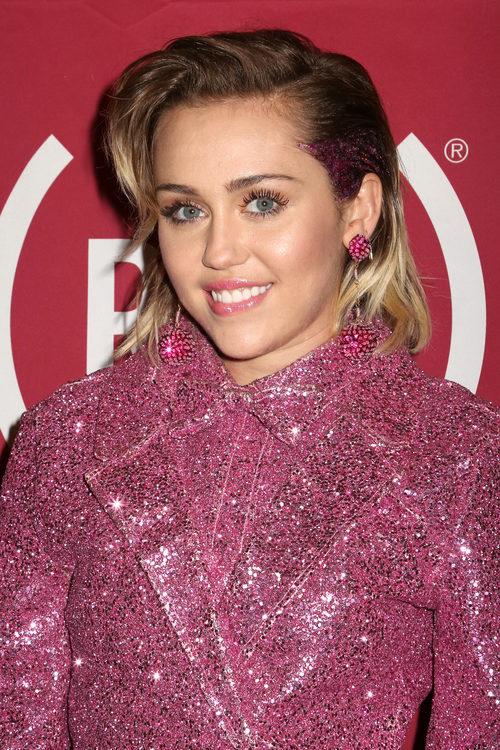 Miley Cyrus fan de la máscara de pestañas