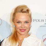 Pamela Anderson en la Global Gift gala en París
