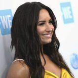 Demi Lovato complementa su look con unos labios nude