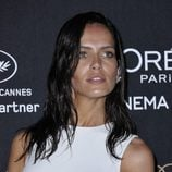 Amanda Wellsh durante la fiesta de loreal en Cannes
