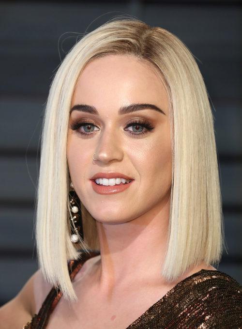 Katy Perry apuesta por un rostro brillante