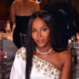 Naomi Campbell opta por una impecable melena lisa