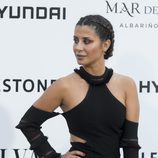 Elena Tablada con rombras rojizas