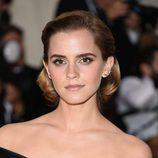 Emma Watson con melena bob con ondas al agua