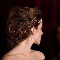 Emma Watson con recogido con accesorio