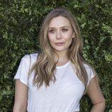 Elisabeth Olsen con un look natural