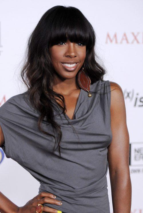 Kelly Rowland con flequillo recto