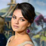 Mila Kunis con recogido elegante