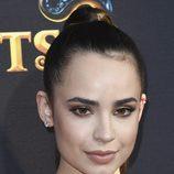 Sofia Carson con un maquillaje muy claro