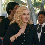 Madonna con ondas suferas