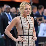 Para crear un look más dramático Margot Robbie da profundidad a su mirada