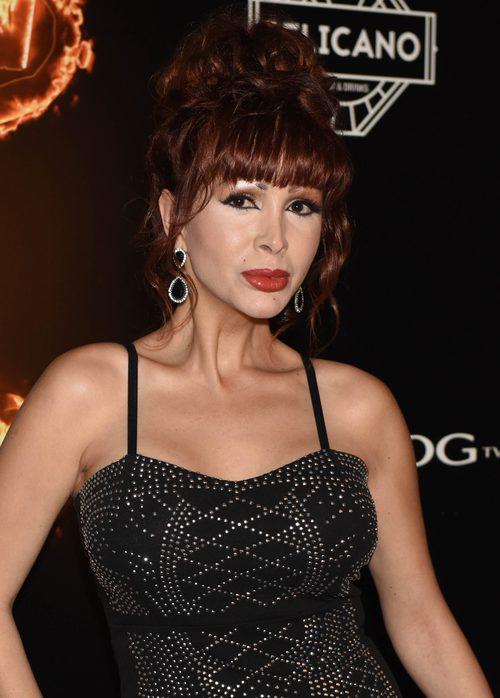 La cantante Yurena con un moño alto