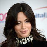 Camila Cabello apuesta por un acabado aterciopelado para su piel