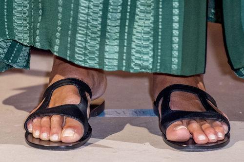 Máxima de Holanda descuidó sus pies para asistir a los premios Loey