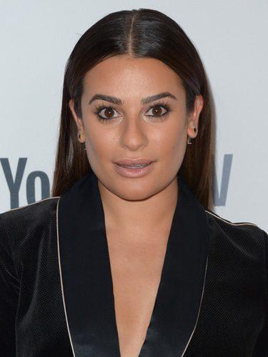 Lea Michele con la raya al medio en la fiesta ABC de Nueva York