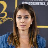 Hiba Abouk con un look muy natural en la presentación de la colección de MAC de Rossy de Palma