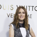 Julianne Moore sin peinar en la inauguración de una tienda Louis Vuitton en París