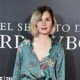 Nadia de Santiago con el pelo estropeado en la premiere de la película 'El Secreto de Marrowbone'
