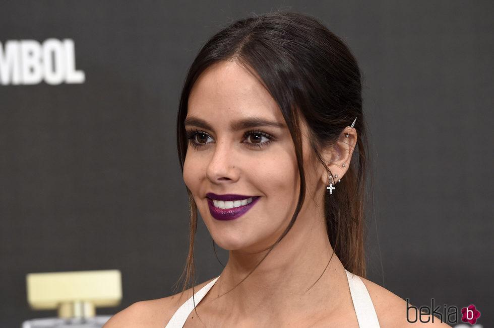 Cristina Pedroche con labios púrpura en la presentación de las fragancias 'Sex Symbol'