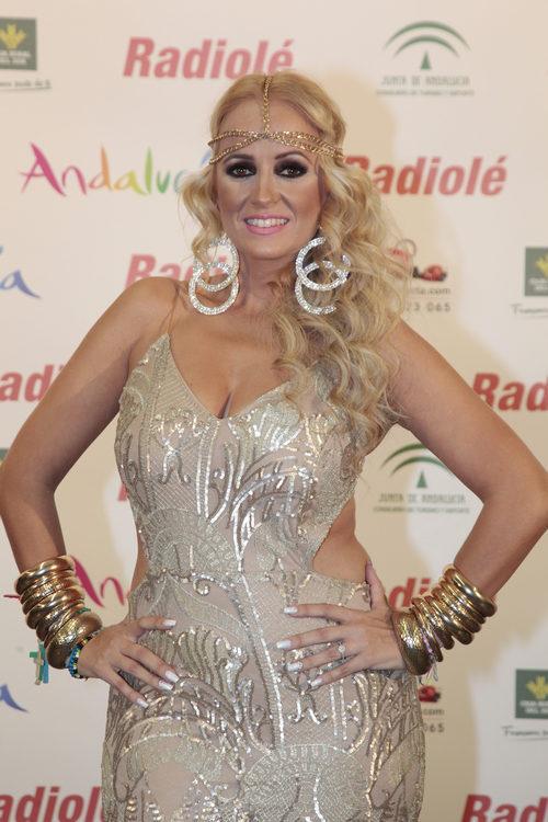 La Húngara con un look sobrecargado en los 'Premios Radiolé' en Sevilla