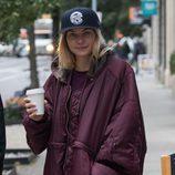 Jessica Hart con cara de resaca por las calles de Nueva York
