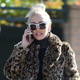 Gwen Stefani con el cabello muy estropeado por las calles de Los Ángeles