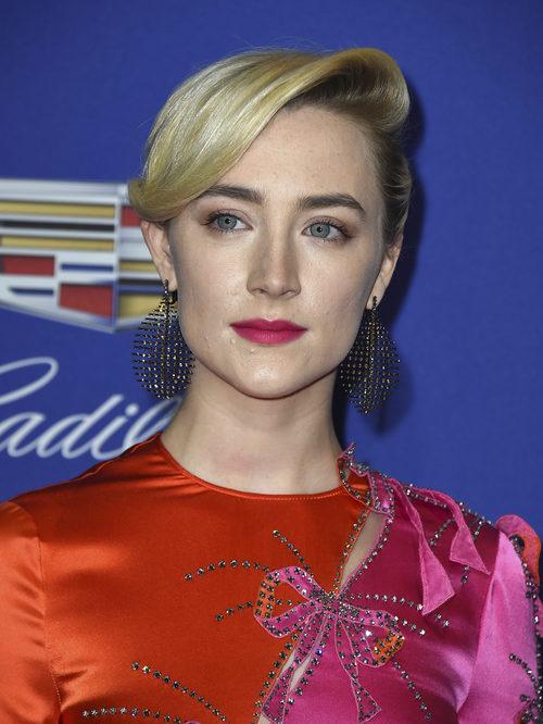 Saoirse Ronan acierta por completo con la sencillez de su beauty look