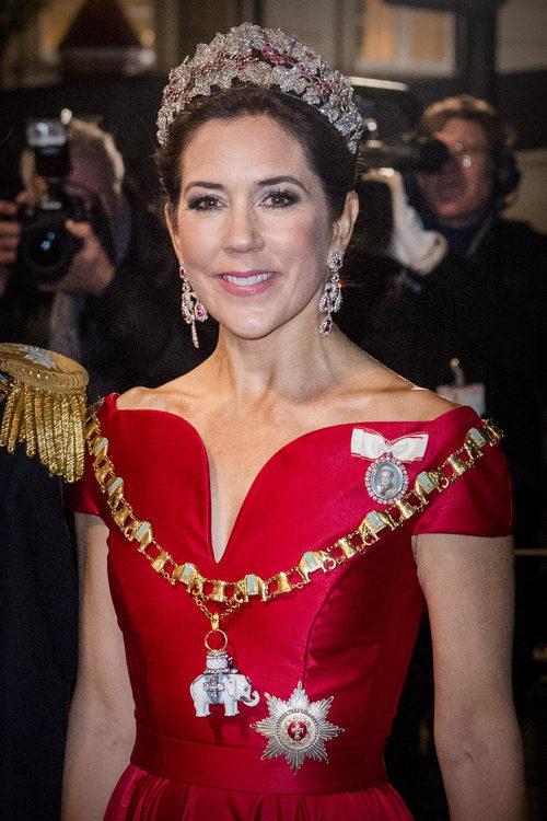 La Princesa Mary de Dinamarca con un sencillo beauty look