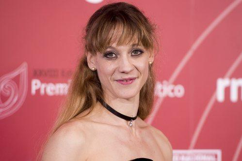 Alicia Amatriain con un semi recogido en los Premios 'El ojo crítico' 2018