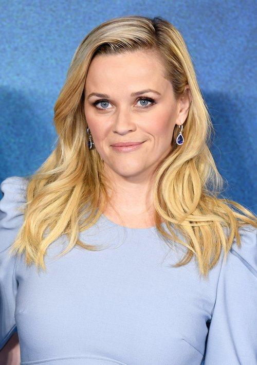 Reese Witherspoon con las ondulaciones al agua en la premiere de un pliegue en el tiempo