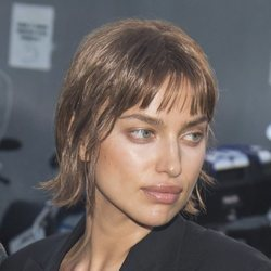 Irina Shayk estrena look en la Semana de la moda de Milán