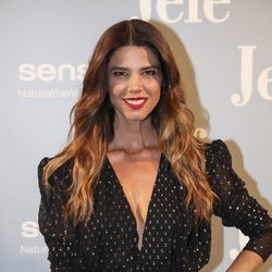 Juana Acosta con los labios rojos en su premier 'Jefe' en Madrid 2018