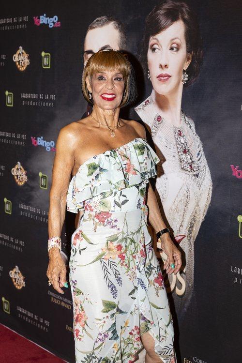Lita Claver con los labios rojos en el estreno de 'Grandes éxitos' de Jorge Javier 2018