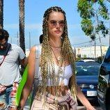 Alessandra Ambrosio con el cabello trenzado en Los Ángeles 2018
