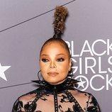 Jannet Jackson con una coleta extravagante en la alfombra roja de los 'Black Girl Rock' 2018