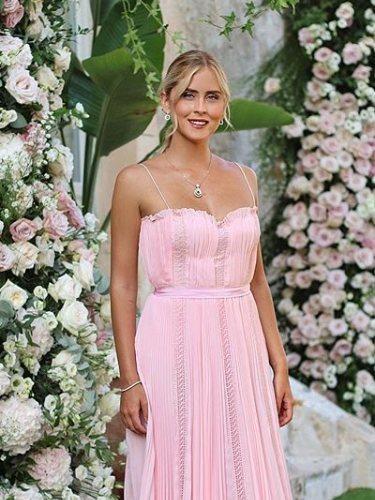 Valentina Ferragni luce una coleta en la boda de su hermana Chiara