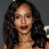 Kerry Washington con un beauty look oscuro en la gala de 'Audience Rewards'