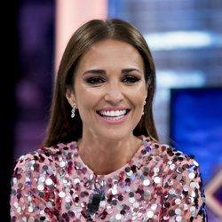 Paula Echevarría con un beauty look rosado en 'El hormiguero'