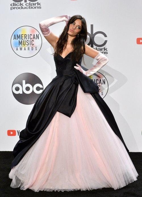 Camila Cabello en la sala de prensa de los American Music Awards 2018