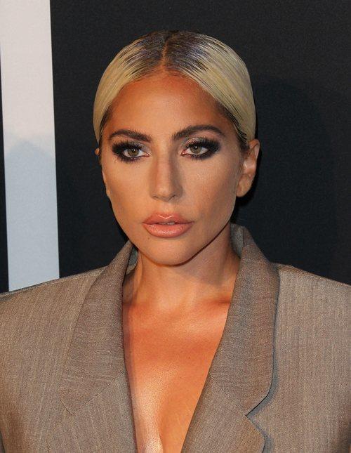 Lady Gaga conquista con su beauty look en la gala ELLE WOMEN