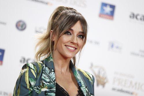 Anna Simon luce un recogido alto en los Premios Iris 2018