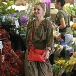 Cameron Díaz cazada en el supermercado con el pelo sucio y sin maquillar