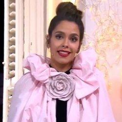 Cristina Pedroche presentando las Campanadas de Antena 3 con un moño muy sencillo
