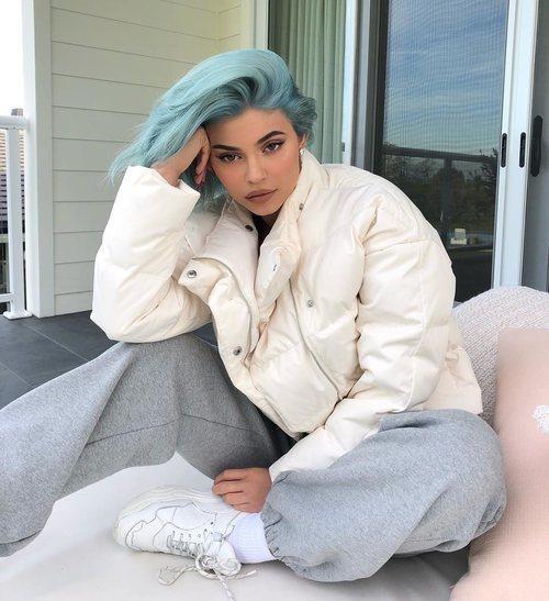 Kylie Jenner estrena 2019 con una melena azul