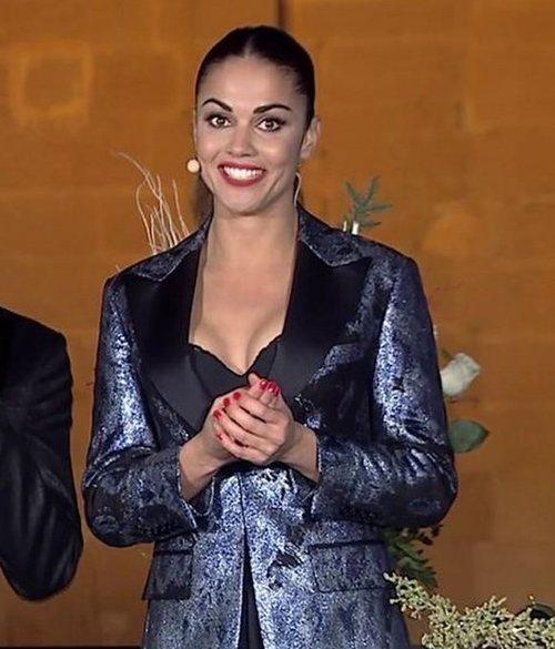Lara Álvarez apostó para dar las Campanadas 2018 por una sencilla coleta